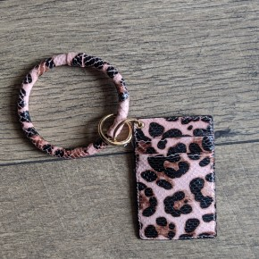 pink cheetah key chain with wallet