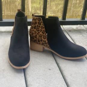 Black Leopard Shield Shoes