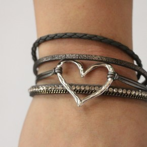 This Is It Four Stranded Leather Heart Bracelet In Black