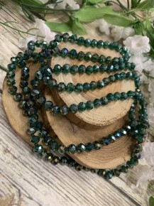 Point Of Perfection Beaded Necklace In Evergreen