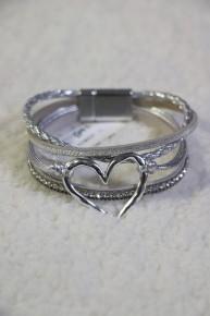 4 Strand Leather Strap Heart Bracelet in Multiple Colors