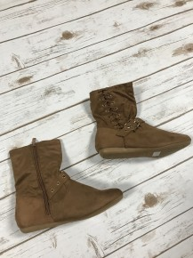 Walk This Way Booties in Tan