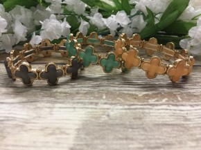 See You Soon Clover Stretch Bracelet In Multiple Colors