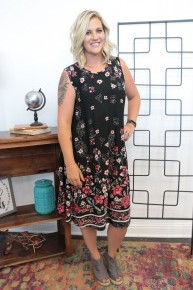Night On The Town Floral Dress In Black Sizes 12-20