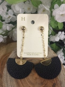 Dreaming Of You Dangle Leather Earrings In Black
