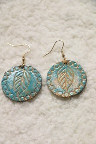 Imagine Leaf Pattern Round Leather Earring In Turquoise