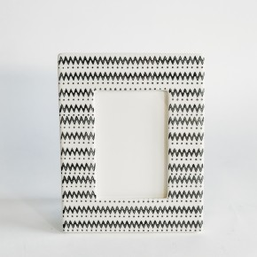 Black and White Stoneware Frame