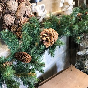 Pine Garland w/ Pinecones