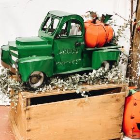 Metal Pumpkin Truck