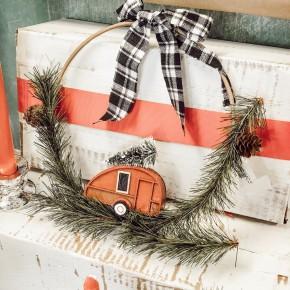 Wreath Hanger With Camper