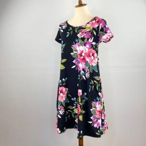 The Black Rose Short Sleeve Dress