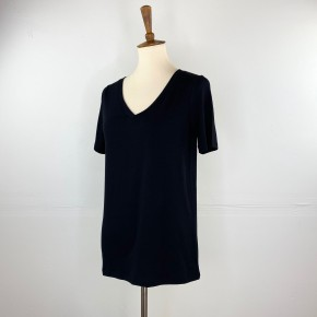 The Classic New V-Neck Tee in Black