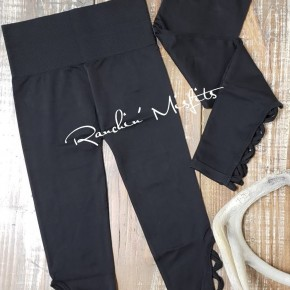 Lattice Hem Capri Leggings