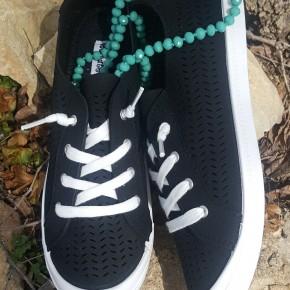Black Marae Shoe
