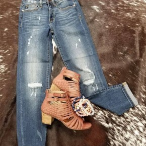 Judy Blue Relaxed Fit Destroyed Jeans