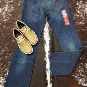 Wrangler Men's Retro Relaxed Boot Cut Jean