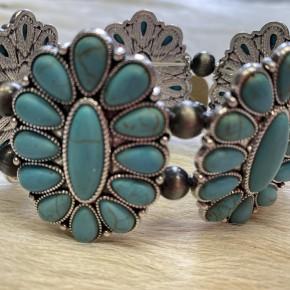 Turquoise Flower Stretchy Bracelet