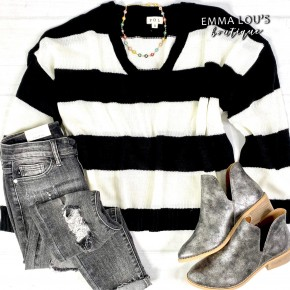 Lightweight V-Neck 2-Tone Stripe Sweater