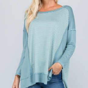 LOOSE FIT FRONT CONTRAST ACCENT TOP