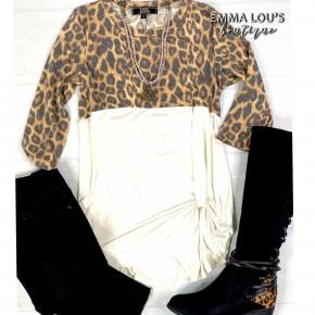 Vintage Leopard 3/4 Sleeve Side Twist Top