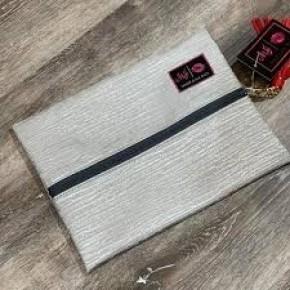 MakeUp Junkie Silver Bark Bags