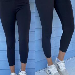 Scalloped Hem Athletic Leggings- Black
