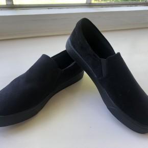 Black on Black Sneakers *Final Sale*