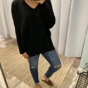 Love Me Sweater, Black