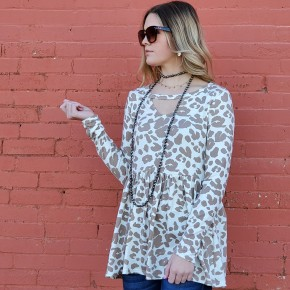 Oatmeal/ Cream Cheetah Baby Dill Top with Keyhole