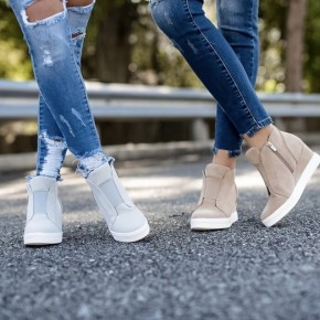 In Style Wedges