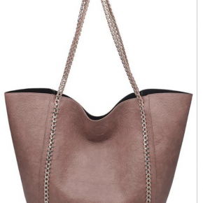 Mauve shoulder bag with chain accents and handle