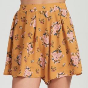 Mustard floral flowy shorts