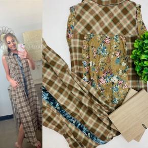 Sleeveless plaid maxi dress with back inset