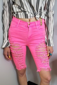 Bermuda shorts with shredded detail
