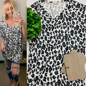 Flamingo - Animal print top with front pocket