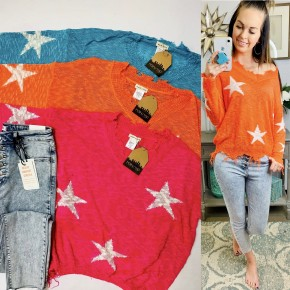 Frayed V neck star printed lightweight sweater