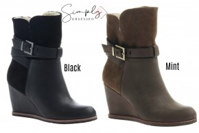 Nicole - boots with side zipper and front strap with furry inside