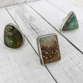 TURQUOISE RINGS WITH SCALLOPED EDGE IN STERLING SILVER