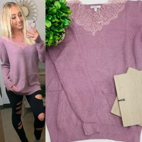 Jodifl- long sleeve sweater with lace accented v-neck