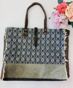 Myra Bag- Lunar weekender bag