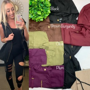 Black vest w/ pockets