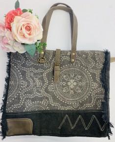 Myra Bag- Gleam Floral Weekender Bag