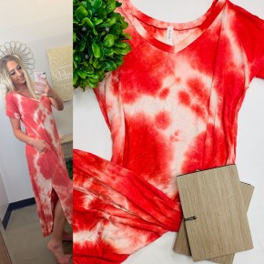 Red tie-dye dress with round hem, pockets and side slits