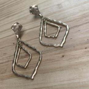 Hammered Filigree Earrings