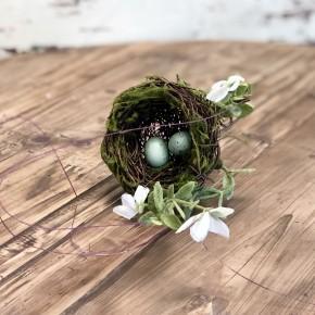 Nesting Stem with Greenery
