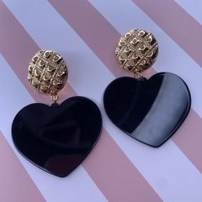 Big Black Hearts
