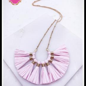 Austin Tassel Necklace in Pink