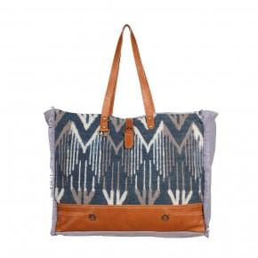 Spacious Weekender Bag