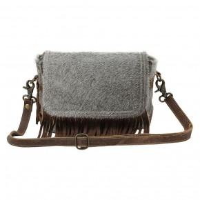 Simplistic Shoulder Bag