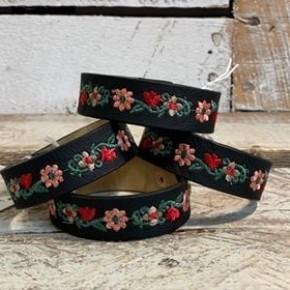 Gleaming Floral Embroidered Bracelet